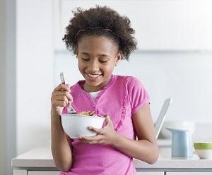 budak makan bijirin