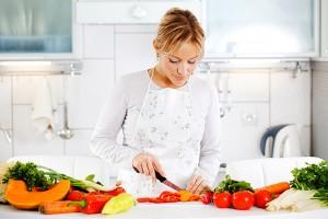 kitchen_chopping_vegetables
